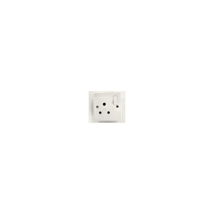3 Round Pin 15 Amp  Switched Socket White